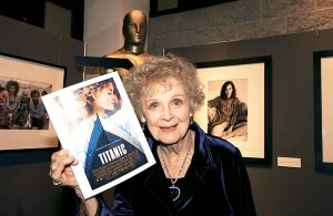 Gloria-Stuart-biography-picture
